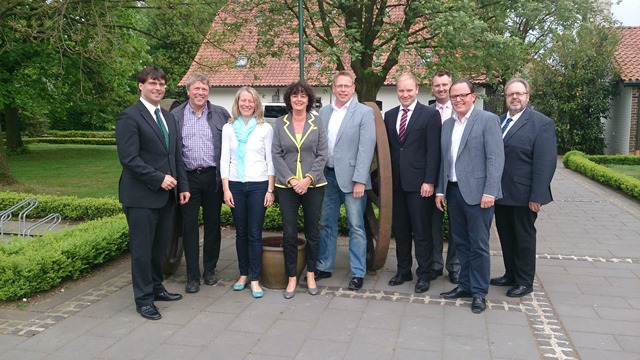 v.l.n.r: Dr. Marcus Optendrenk, Uwe Schummer MdB, Kerstin Radomski MdB, Luise Fruhen, Marc Blondin, Daniel Wingender, Michael Aach, Timo Kühn, Lothar Kauffels