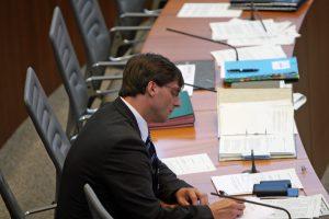MO sitzend Plenum Dokumente